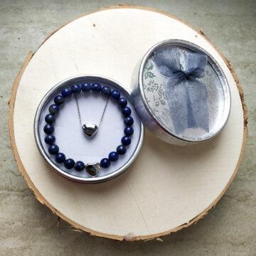 Sada řetízku a minerálního náramku z lapisu lazuli se srdíčky #2